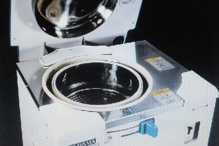 オートクレーブ(高圧滅菌器)
